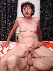 Experienced granny Stephanie performs excellent oral while a younger guy admires her snatch
